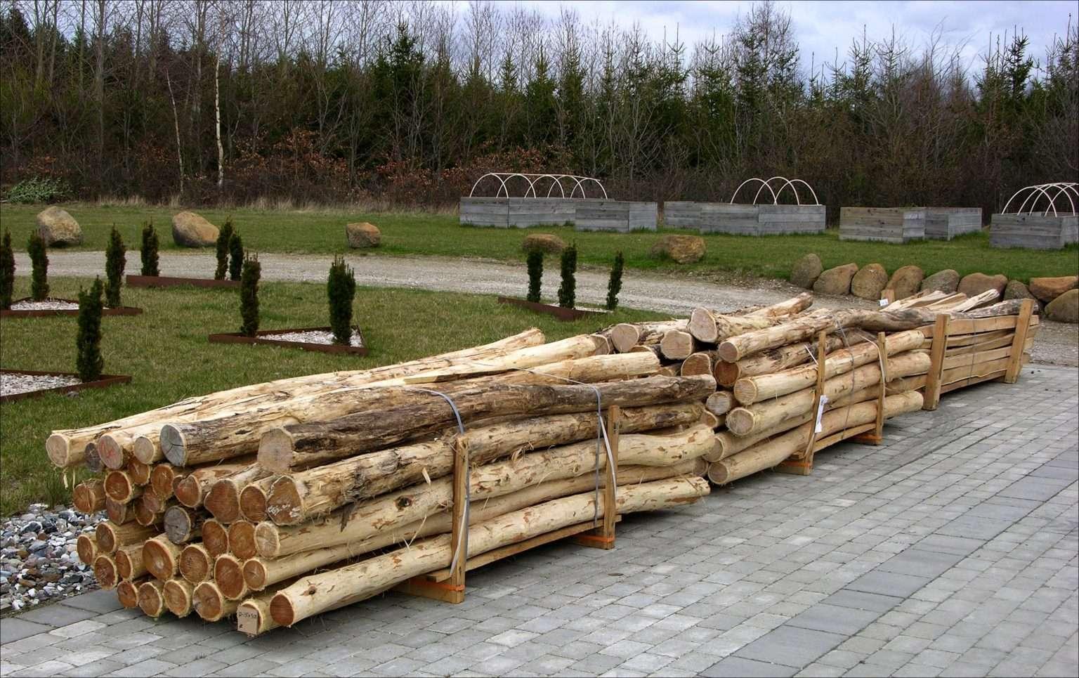 træpæle og træstolper