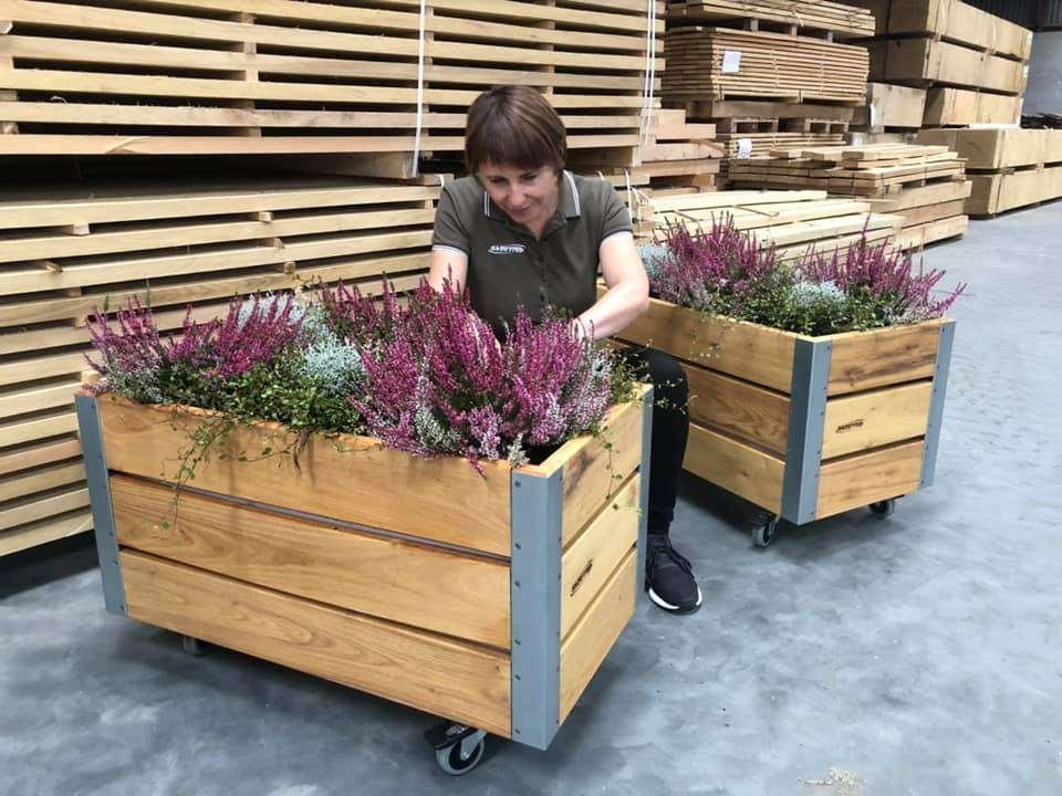 plantekasser ses her med lyng