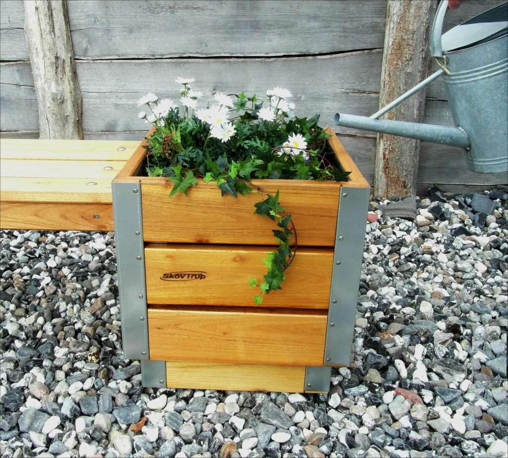blomsterkasse havebænk